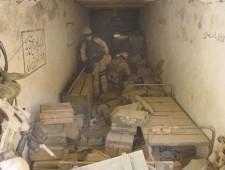 US_Navy_020114-N-8242C-004_Navy_SEALs_find_Al_Qaida_weapons_cach
